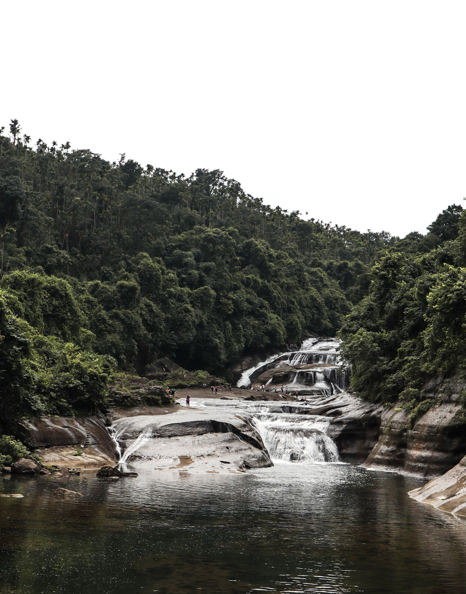 roots_and_leisure_wah_rymebn_falls_shillong