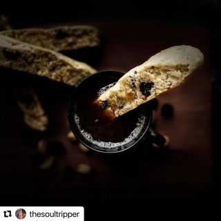 #Giveaway with @craate.in and @rootsandleisure   Entry # 18 by @thesoultripper   #Repost @thesoultripper with @make_repost ・・・ 2020 will forever be etched in everyone's memory as a tumultuous year filled with a myriad emotions. Some experienced great hardship, pain, loss & grief. While others finally got a much needed break from life.   I've been extremely fortunate to be a part of the latter group. It was a year of rediscovering my passion for all the things that I couldn't pursue in life. I learnt Italian, Spanish, French and also got enough time to pursue Music and Fitness. But the one thing I enjoyed most was my culinary experiments in the kitchen and creating dishes from scratch. A lifetime of unfulfilled dreams packed into a handful of months.  It's very hard to pick just one photo that inspired me during these trying times but I've chosen this photo based on public opinion. The very humble Italian Biscotti.  I don't think I'll get a time like this to indulge in all my hobbies ever again and I feel extremely blessed to be able to end 2020 on a high note.   Hoping that 2021 will make up for all the time lost and plans unfulfilled  in 2020. Happy New Year everyone.  @craate.in @rootsandleisure   - B I S C O T T I - [/bi'skɒti/;bi'skɔtti] . . . CRANBERRY & PISTACHIO Twice-baked, oblong, dry & crunchy, Biscotti is traditionally served with a drink into which they may be dunked. It has many variants ranging from fruit & nut to chocolate chip and everything in between. Typically served after dinner with a sweet wine called Vin Santo but it is also a staple at breakfast served with a Shot of Espresso. .